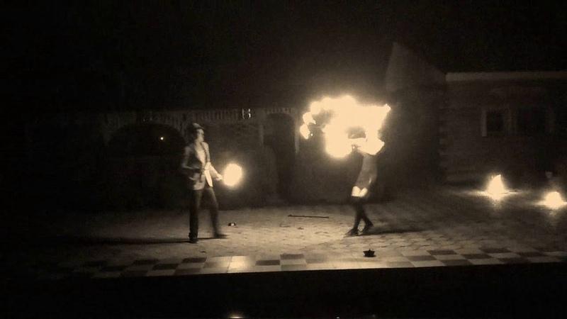 Дебютний виступ театру вогню Crazy Ligts