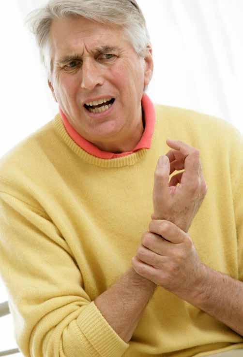 Подагра может вызвать сильную боль в запястье.