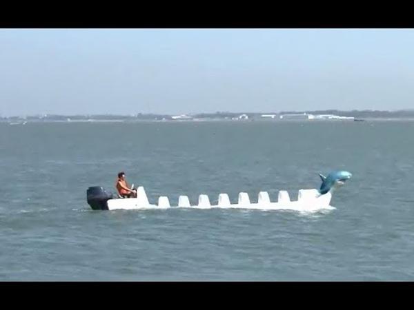 Ship-building amateur invents shark-shape boat | CCTV English