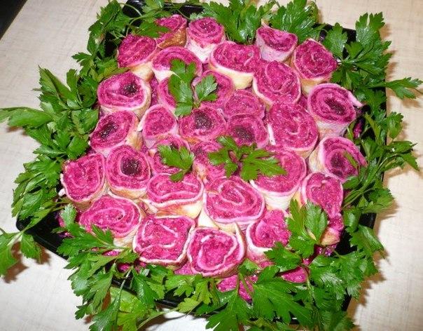 """Салат """"Букет алых роз"""""""