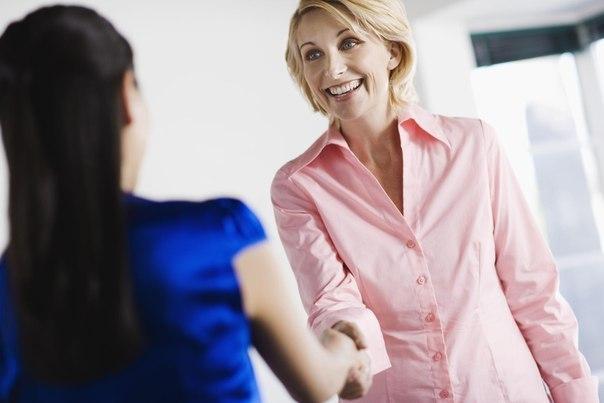 5 сложных вопросов на собеседовании Зная ответы на 5 основных вопросов, вы с успехом пройдете любое собеседование. 1. Какой ваш самый большой недостаток? Подобные вопросы рассчитаны на то, чтобы кандидат признал свою слабость и был отсеян при отборе, если она имеет непосредственное отношение к предстоящим обязанностям. Что же ответить? Можно сказать, например, что до обеда вы работаете менее продуктивно, но после обеда — с двойной энергией. Помните, что на собеседовании вы должны постараться…