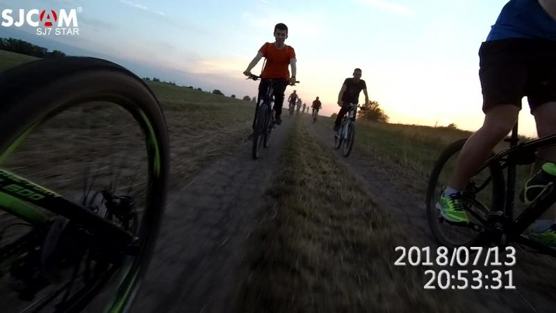 Пятница 13-ое. Поездка на пруд в Ивровку. Мчим полями на закате.