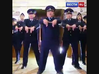 Якутские полицейские сняли танцевальное видео и прославились в социальных сетях
