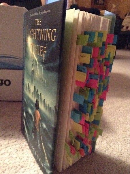 Стикеры там, где фильм отличается от книги.