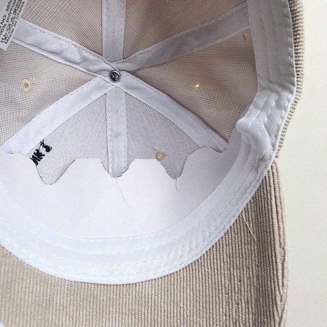 Вельветовая кепка с вышивкой