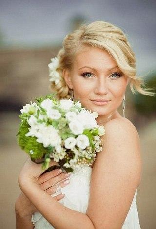 Наряды и прически для свадьбы