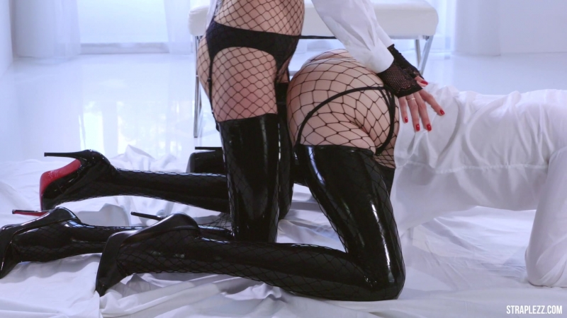 [StraplessDildo.com] Merry Pie and Mia - Latex and Fishnets [Cunnilingus, Fishnets, High Heels, Kissing, Latex, Stockings]
