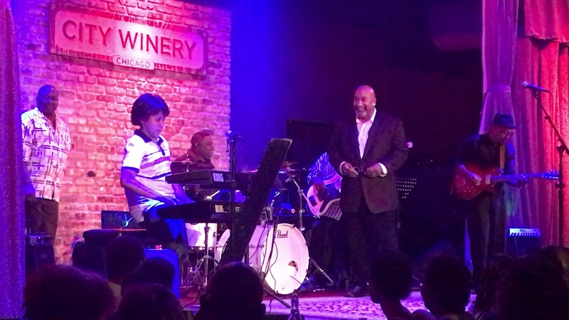 Justin lee Schultz Sitting in with Kevin Whalum at the Chicago City Winery