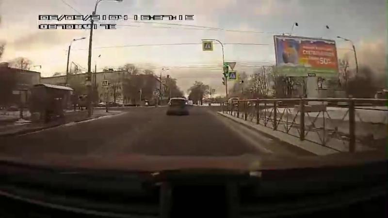 ДТП на перекрестке Бассейной и Новоизмайловского 15 января
