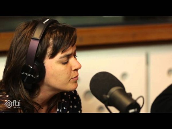 Jen Cloher and Courtney Barnett 'Stone Age Brain' - live on FBi Radio