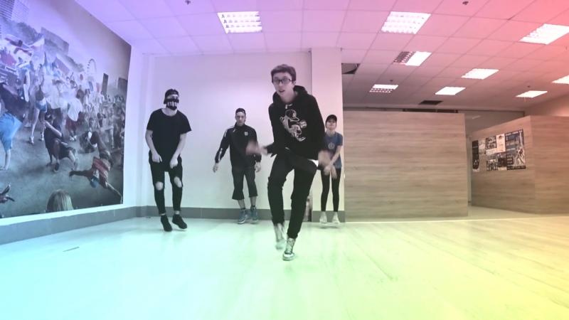 Танцующий Чувак - Танец под песню Little Big Lolly Bomb