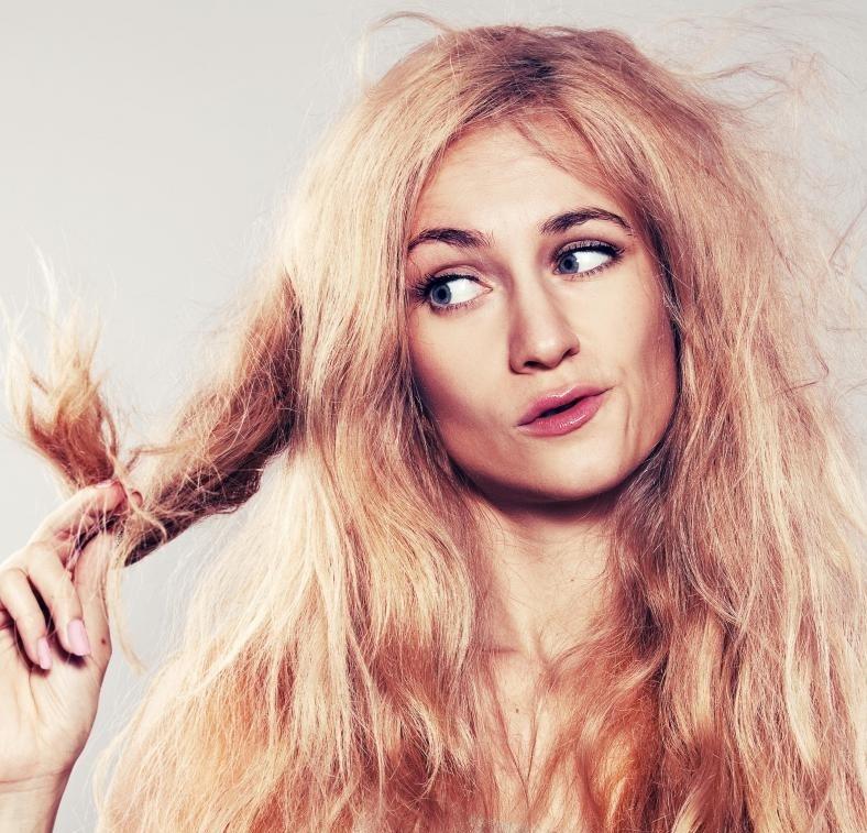 Многие продукты для волос предназначены для увлажнения и заживления расколотых концов.