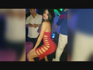 Meşhur Gelin Adayı Naz Mila Seksi Daracık Kırmızı Elbiseli Dansı (TRSyc)