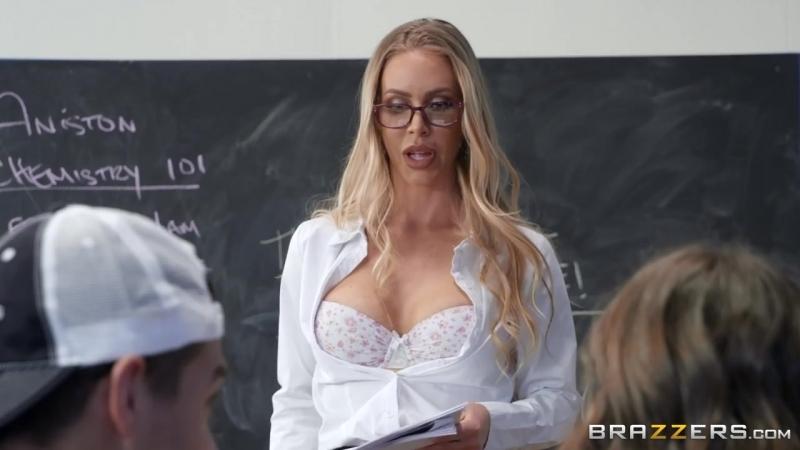 Сын шантажом развел пьяную мать на секс [русское порно, секс, инцест, мамки] Молодой трахнул мамку milf,720,720p,секс,mom