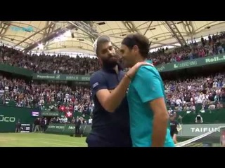 Roger Federer saves two match points in dramatic Paire win! | Halle 2018