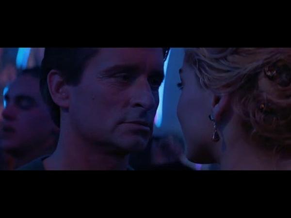 Основной инстинкт-сцена в ночном клубе