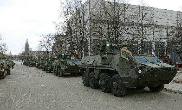 СМИ: в Луганск вошла военная техника
