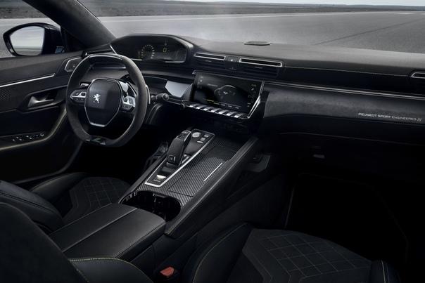 Обзор : Peugeot 508 Sport Engineered 2019 Двигатель: 1.6 R4 Turbo PureTech Мощность: 200 л.с. Два электромотора: 100-сильный на передней оси и 200-сильный на заднейБатарея ёмкостью: 11.8