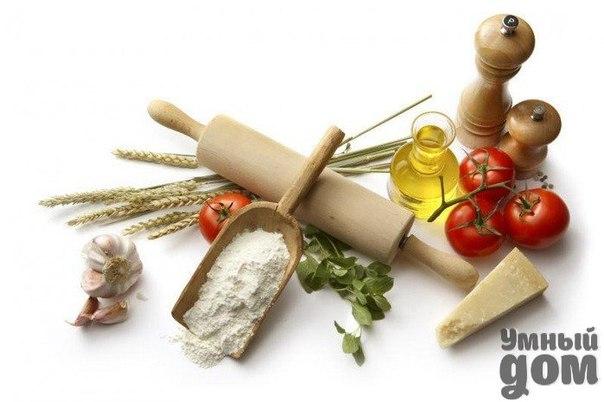 СОВЕТЫ ХОЗЯЮШКАМ Чтобы узнать, доброкачественное ли мясо, надо надавить на него пальцем. Если образующаяся ямка быстро выравнивается, — значит мясо доброкачественно. Доброкачественное мясо на разрезе почти сухое. Для определения запаха мяса нужно нагреть нож или вилку и проколоть мясо, если оно недоброкачественное, нож или вилка будет иметь неприятный запах. Если мясо имеет неприятный запах, нужно при варке его положить один -два кусочка древесного угля, которые поглотят запах. Можно также…