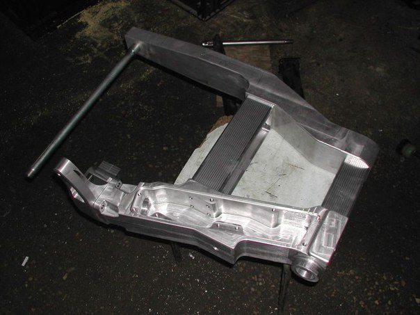 Металлообработка (включая ЧПУ, термичку, резку); тюнинг-кастомайзинг техники.