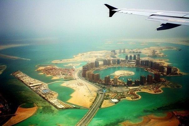 Пролетая над элитным районом Дохи,