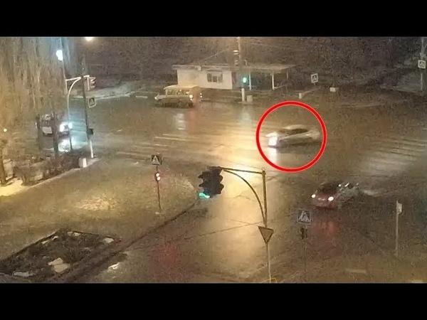 ДТП (опасное вождение г. Волжский) пл. Свердлова 08-12-2018 21-30
