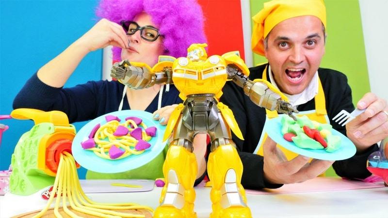 Yemek yarışması Şenol VS Bonita. Kim kazanacak Hamur ve yemek yapma oyunu! Çocuk videosu