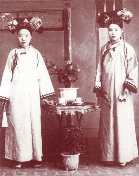Ціпао традиційне жіноче вбрання у давніх китайок