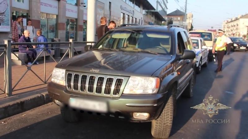 Полицейские изъяли у водителя внедорожника 20 кг янтаря в Калининграде