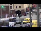 Появилось видео задержания женщины, протаранившей на иномарке троллейбус в Москве