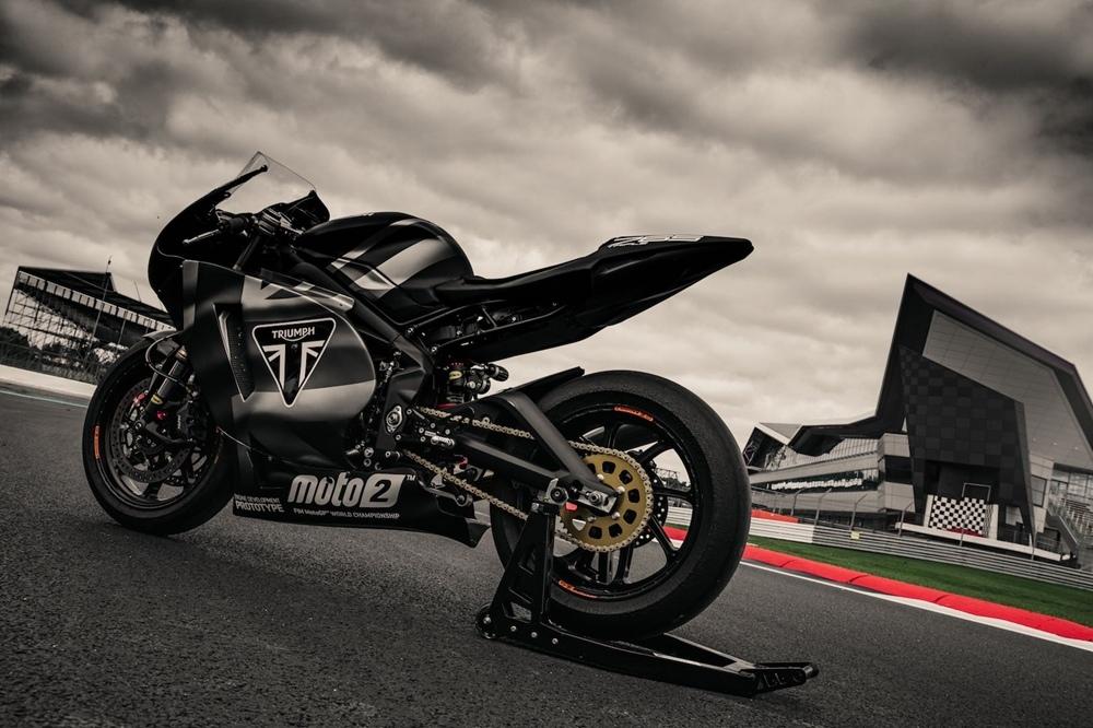 Трехцилиндровый двигатель Triumph Moto2 2019