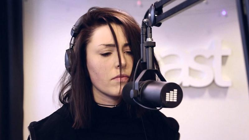 Nira K - Kalla mig (Live @ East FM)