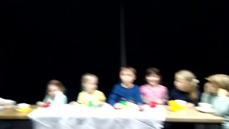 Незнайка сцена Чаепитие Репетиция младшей группы