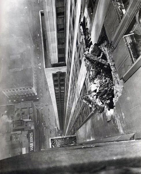 Как самолёт врезался в небоскрёб, США, 1945 год.