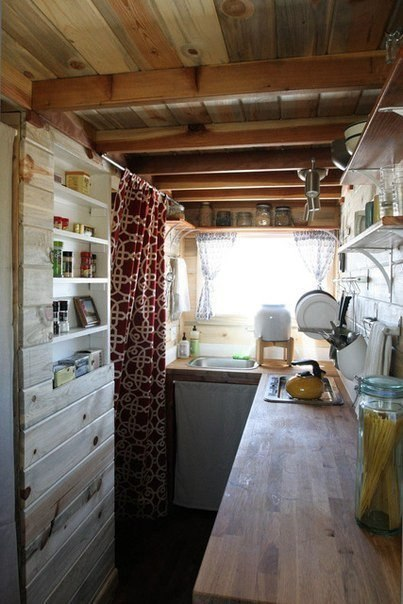 Маленький домик (11 кв.м.) со всем необходимым для жизни