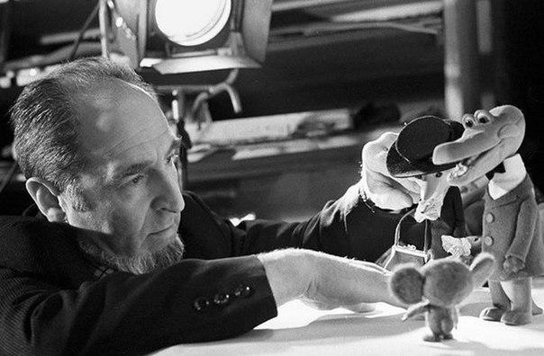 На фото: художник-постановщик Леонид Шварцман  создатель образа Чебурашки и крокодила Гены
