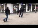 Eskalation in Chemnitz Immer wieder greifen schwarz vermummte Antifa Anhänger Demonstrante
