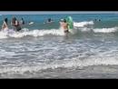 Любимый Сына на матрасе катается по волнам 😊🏊🏊🏊