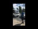 В Саратове водители маршрутки и Приоры устроили драку у торгового центра