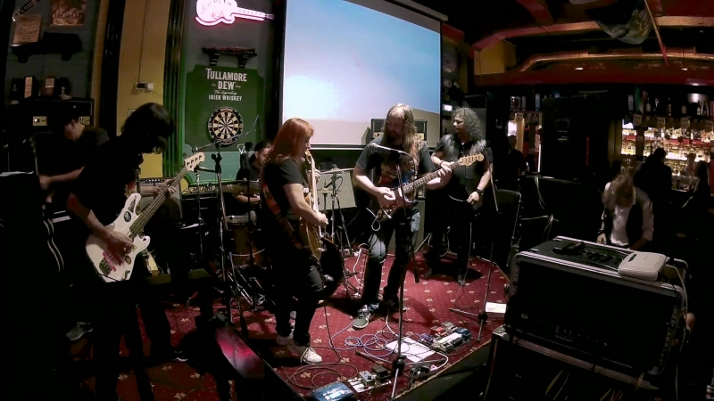 Holy Dragons and Johnnie Gazz - Bootleg TheTrooper Jam -Gibson Players Ball