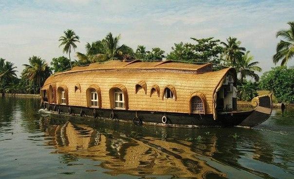 Дом-лодка в Индии