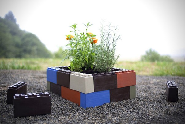 Штука: Лего-кубики для оформления сада и высадки растений