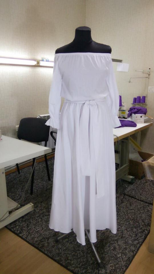 Платье с открытыми плечиками из поплина ️