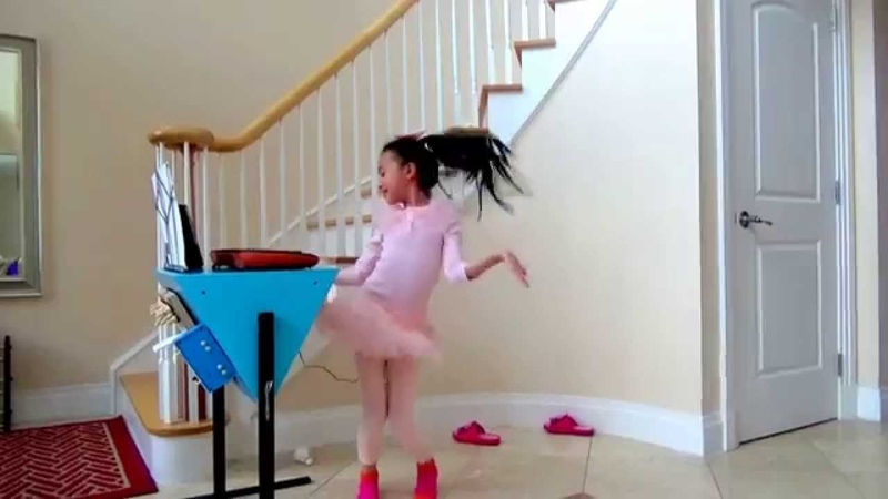 Harmony Zhu - It's So Fun Dancing around the ALL-IN-ONE Combo Desk from Ellen! :D