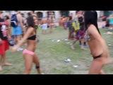 Cheerleaders Twerking WOP in Daytona (Stunt Fest 2K13)