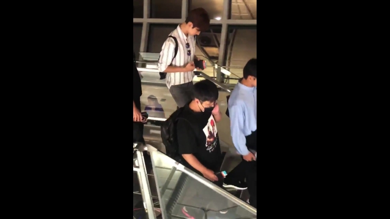 17.08.2018 - TVXQ в аэропорту Бангкока. Вылетают в Сеул.