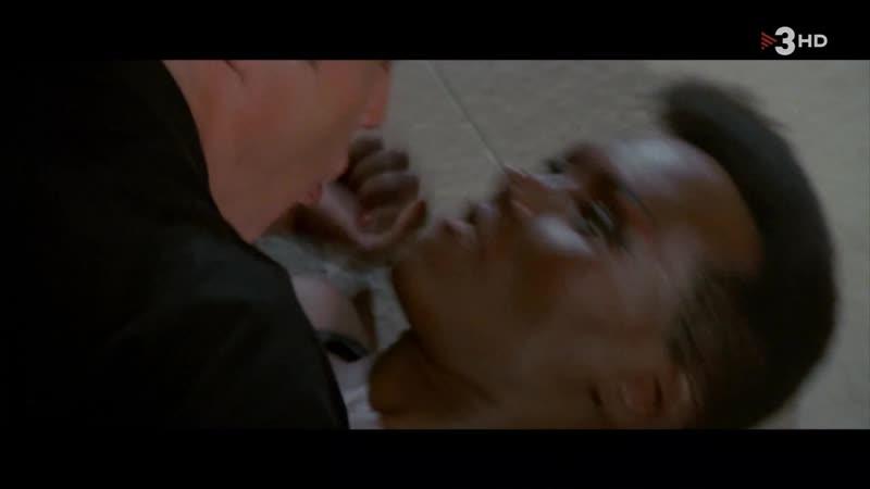 007 Panorama para matar (1985) A View to a Kill sexy escene 04