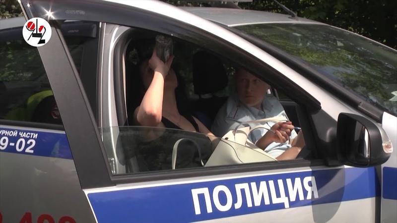 Пилотка Лексуса пьёт водку в машине ГАИ Real video