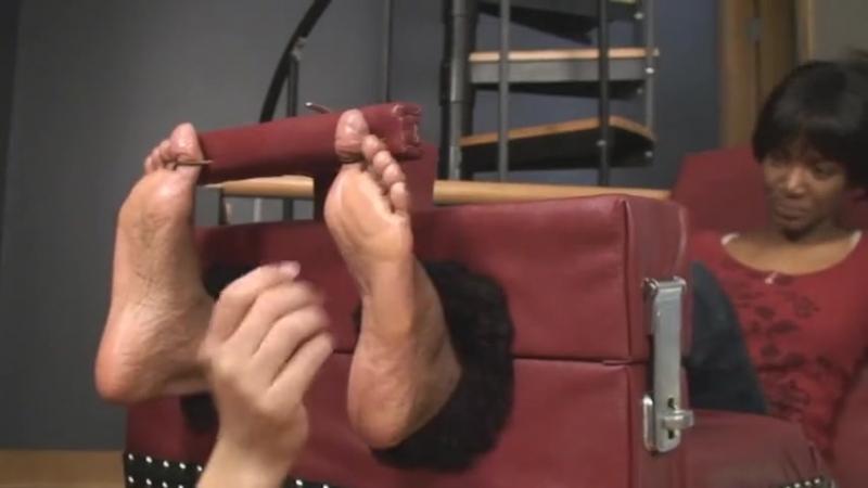 Ebony Jewelz Foot Tickled