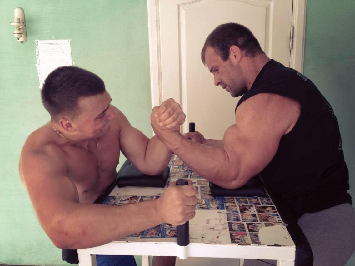 Denis Cyplenkov armwrestling - 6 August 2013